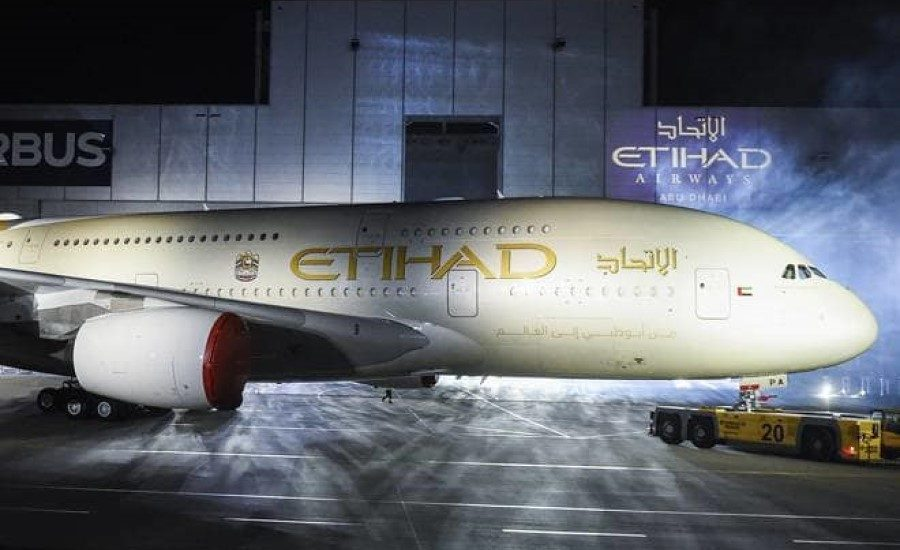 Etihad Airways commemorates Earth Day with single-use plastic-free flight