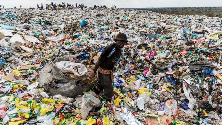 186 countries in the world agree deal to cut plastic pollution, not including the USA
