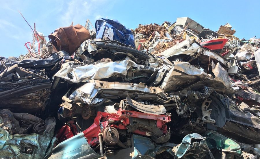 A waste of raw materials: only one out of four cars is recycled in Germany