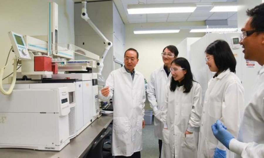 WSU scientists produce jet fuel from waste plastic