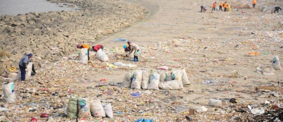 China's mammoth moves to phase out single-use plastics