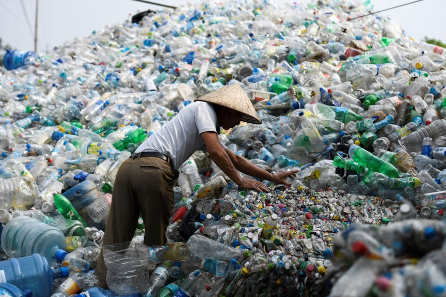 Environmental expert to Chinese government: banning single-use plastics is not enough