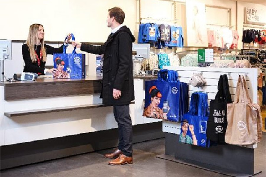 C&A phases out single-use plastic bags across Europe