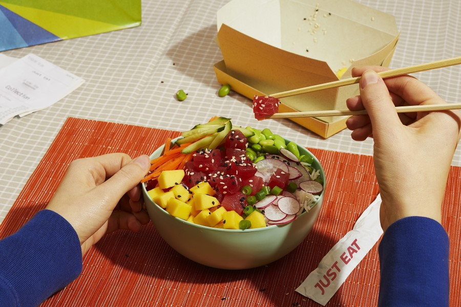 Just Eat and Notpla develop world's first seaweed-lined box for takeaway sector