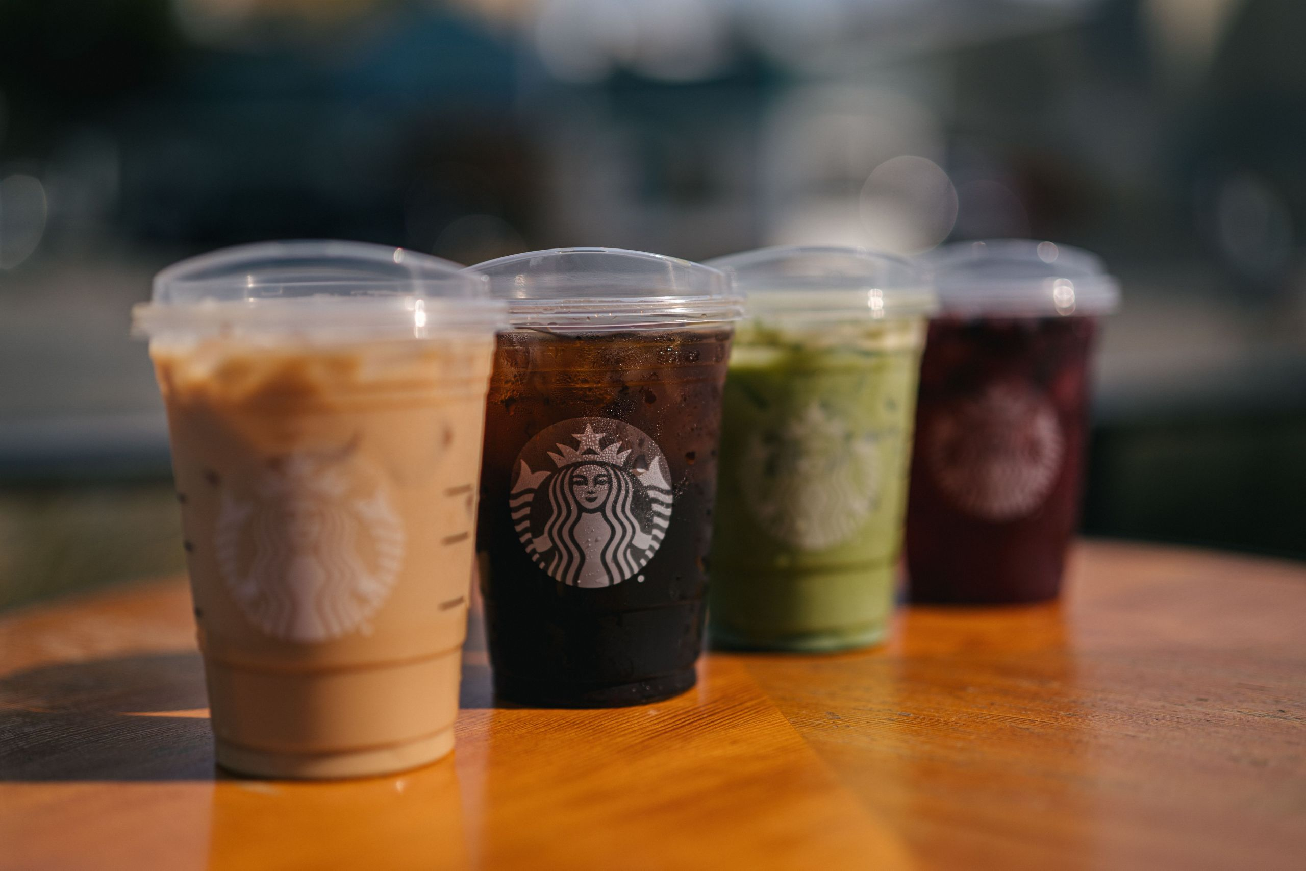 Starbucks announces rollout of new strawless lids throughout USA and Canada