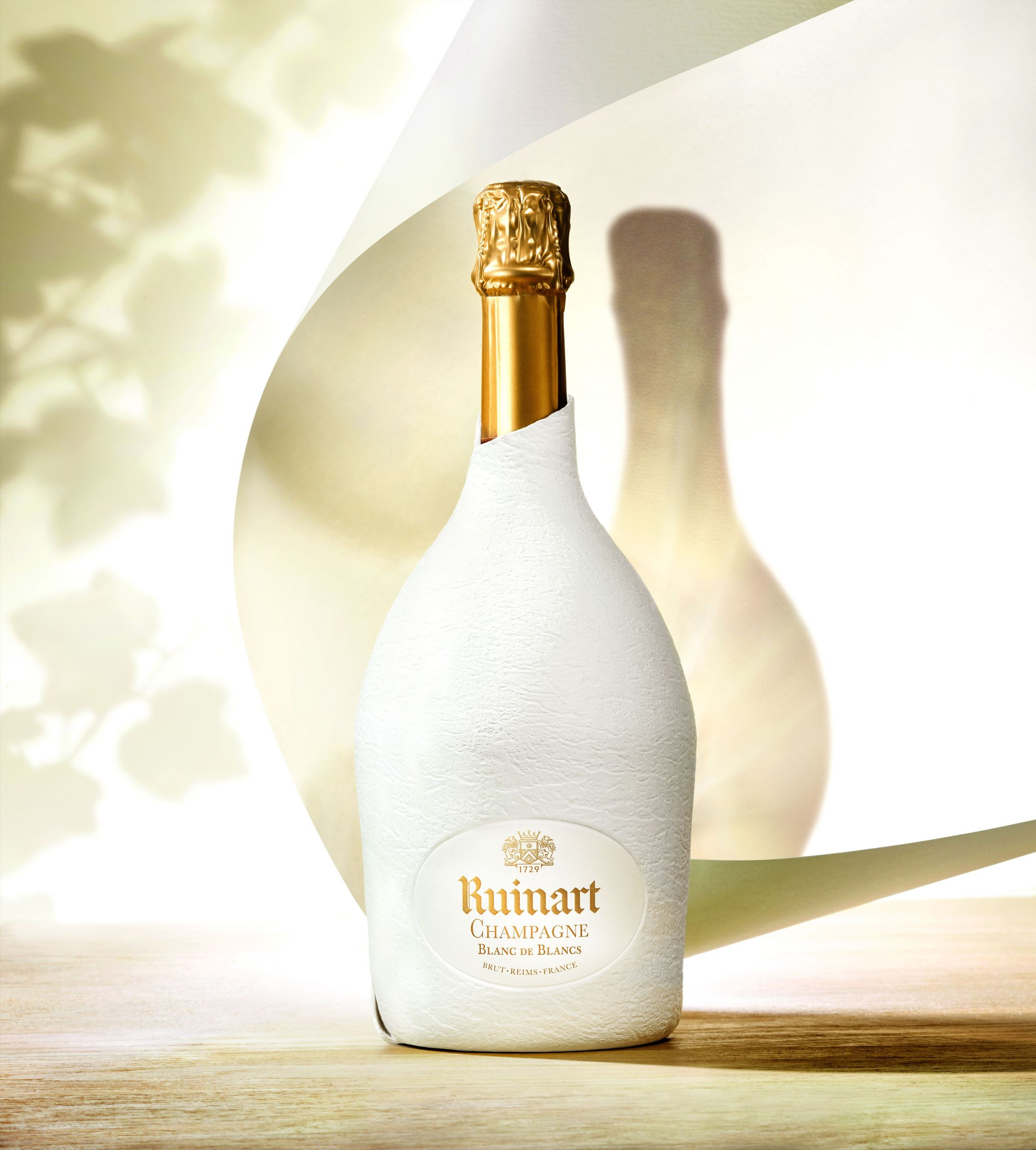 COLOURFORM and Maison Ruinart box clever for the champagne market